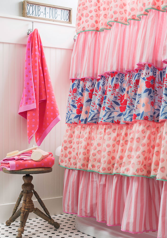 Splish Splash Towel Set Squeaky Clean Bath Curtain